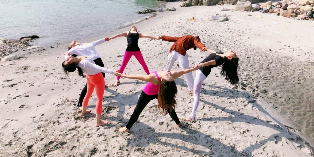 Yoga In India Yoga In Rishikesh Rishikesh Yoga Teacher Training Rishikesh School Of Yoga